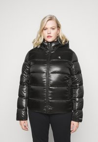 Calvin Klein Jeans Plus - SHINY SHORT PUFFER - Winter jacket - black - 0