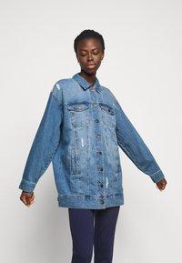 Noisy May Tall - NMFIONA JACKET - Denim jacket - light blue denim - 0