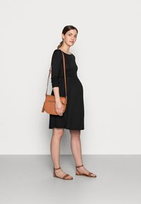 Anna Field MAMA - NURSING - Jersey Dress - Sukienka z dżerseju - black - 1