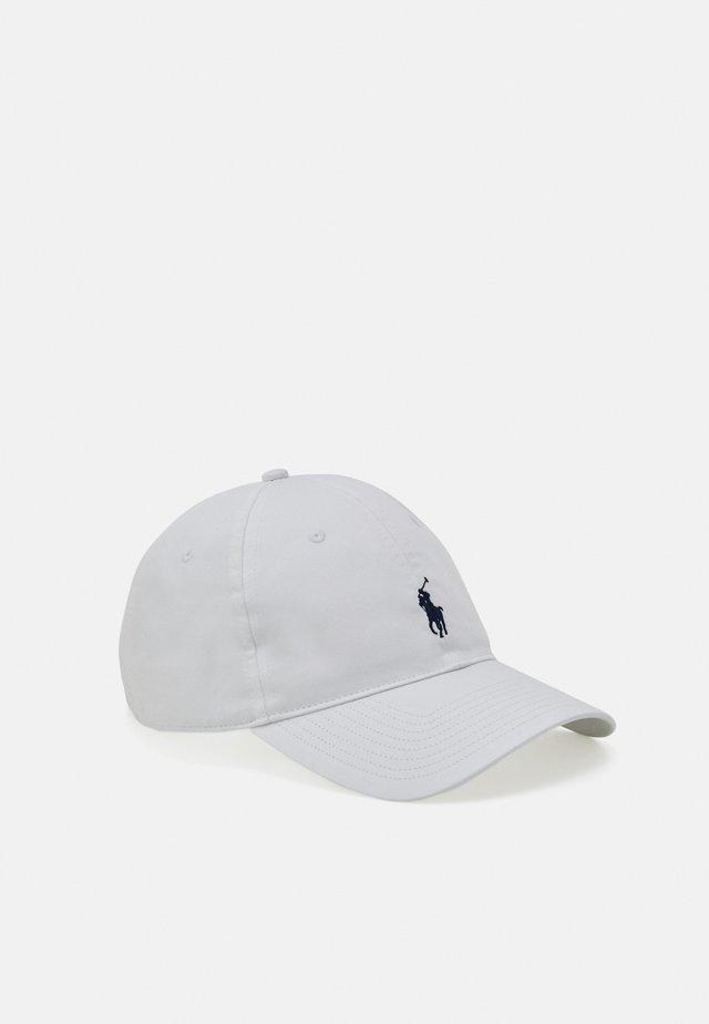 FAIRWAY HAT - Kšiltovka - pure white