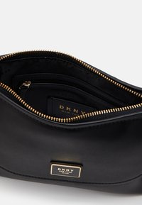 DKNY - FLAP SHOULDER BAG - Skuldertasker - black/gold - 3