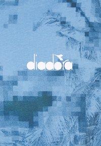 Diadora - Printtipaita - alaskan sky blue - 2