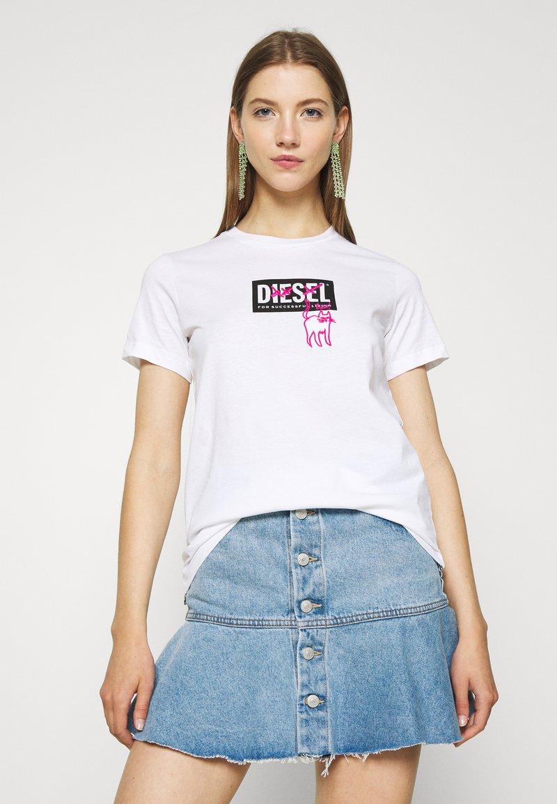 Diesel - T-SILY-E52 T-SHIRT - T-shirt print - white