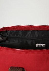 Napapijri - BERING  - Weekend bag - old red - 5