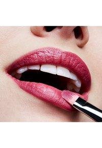 MAC - MINI LIPSTICK / LITTLE M∙A∙C - Rouge à lèvres - captive - 1