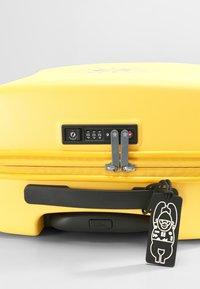Kipling - CURIOSITY S - Wheeled suitcase - vivid yellow nc - 7