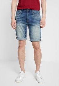 Calvin Klein Jeans - SLIM - Džínové kraťasy - denim - 0