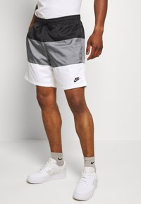 Nike Sportswear - Shortsit - black/smoke grey/white - 0