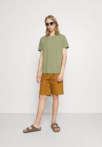Burton Menswear London - DUCKEGG 3 PACK - T-shirt basic - multi - 0