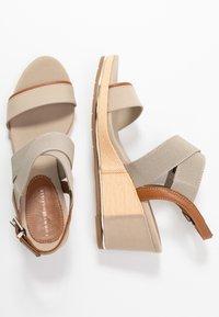 Tommy Hilfiger - ESTELLA  - Platform sandals - stone - 3