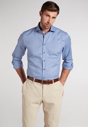 MODERN FIT - Overhemd - hellblau