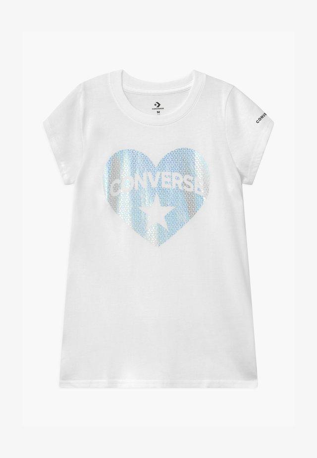 HEART TEE - Print T-shirt - white