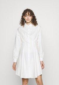 Pieces - PCELLON SHIRT DRESS  - Shirt dress - cloud dancer - 0