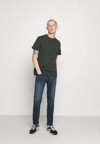G-Star - PREMIUM CORE R T S\S - T-shirt basic - olive - 1