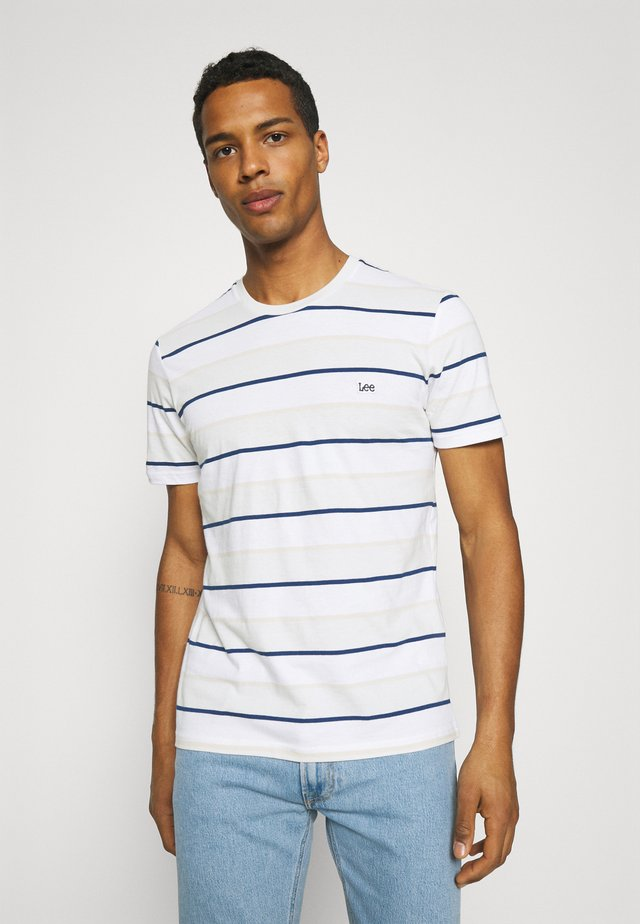 STRIPE TEE - Camiseta estampada - dawn blue