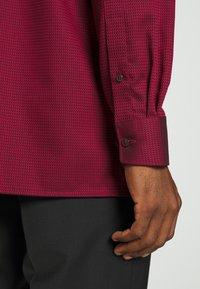 OLYMP Luxor - MODERN - Zakelijk overhemd - dark red - 3