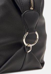 Guess - HANDBAG DESTINY SATCHEL - Handbag - black - 3