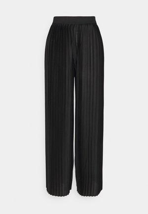 JDYBOA BILLION PLISSE WIDE PANT - Pantalon classique - black