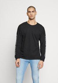 Jack & Jones - JCODOBBY TEE CREW NECK - Långärmad tröja - black - 2