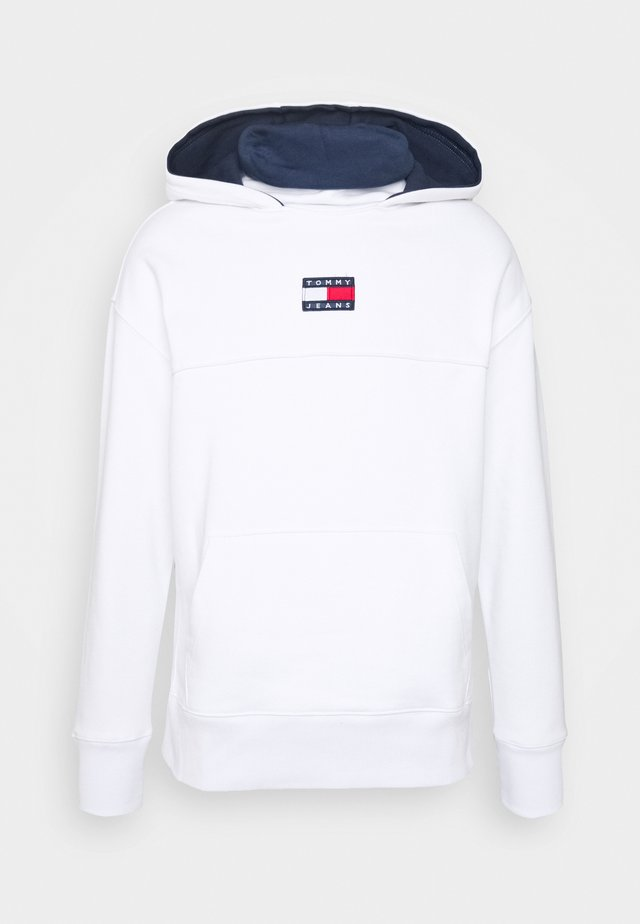 BADGE FUNNEL NECK HOODIE - Hoodie - white