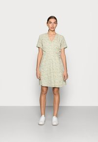 Moss Copenhagen - EVETTE WRAP DRESS - Day dress - ecru flower - 0
