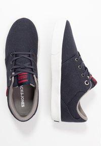 Jack & Jones - JFWBARTON - Sneakersy niskie - navy blazer - 1