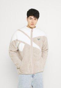 Reebok Classic - VECTOR - Fleece jacket - modern beige - 2