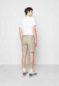 Polo Ralph Lauren - STRAIGHT FIT BEDFORD  - Shorts - khaki/tan - 2