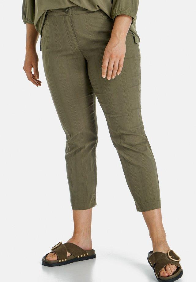 BETTY - Shorts - seaweed