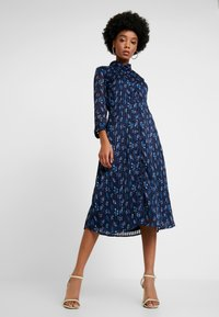 YAS - YASRICHA 3/4 MIDI DRESS - Shirt dress - navy blazer - 1