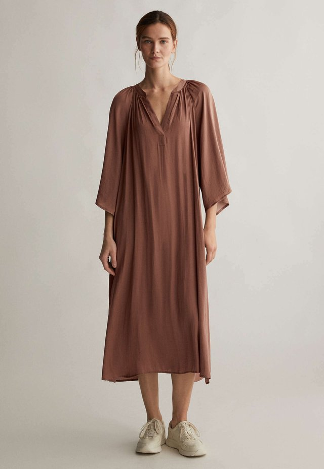 KAFTAN - Korte jurk - brown