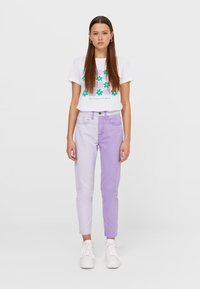 Stradivarius - Relaxed fit jeans - mauve - 0