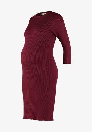 Strikket kjole - wine
