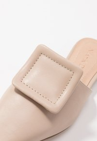 NA-KD - APPLICATION DETAILED - Mules - beige - 2