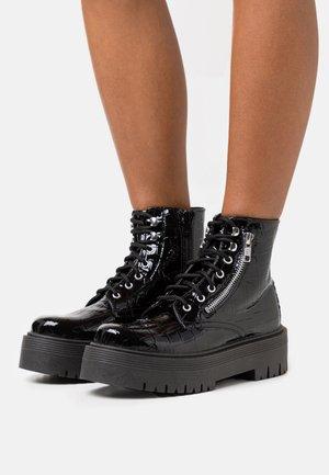 BROOKE ZIP SIDE LACE - Kotníkové boty na platformě - black