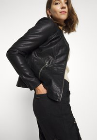 ONLY - ONLMELISA FAUX JACKET - Giacca in similpelle - black - 3
