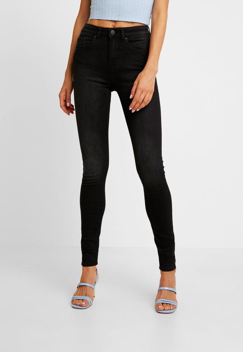 ONLY - ONLFHUSH LIFE - Jeans Skinny Fit - black denim