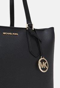MICHAEL Michael Kors - KIMBERLY 3 IN 1 TOTE SET - Handbag - black - 5