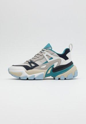 NICK - Sneakers basse - aluminum