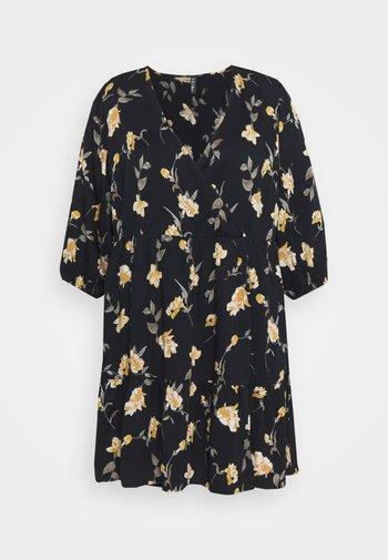 PCGLYDA WRAP DRESS CURVE - Robe d'été - black