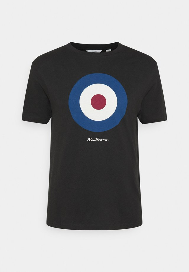 SIGNATURE TARGET TEE - T-shirt con stampa - black