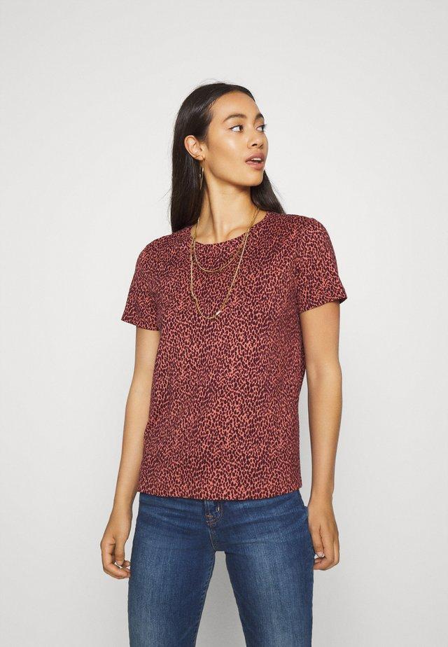 BYRILLO - T-shirt imprimé - canyon rose