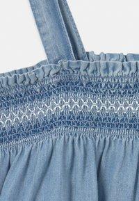 GAP - SMOCK - Denim dress - light-blue denim - 2