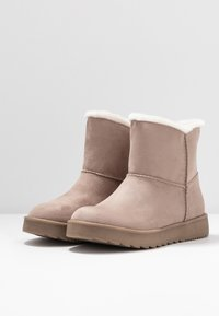 s.Oliver - Winter boots - rose - 4