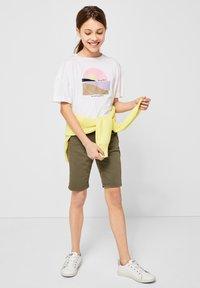 s.Oliver - MIT FRONTPRINT - Print T-shirt - white - 0