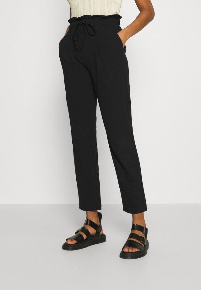 ONLKIRAS LIFE PANTS - Pantalon classique - black