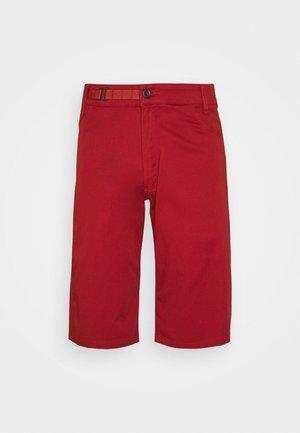 CREDO SHORTS - Sports shorts - red rock