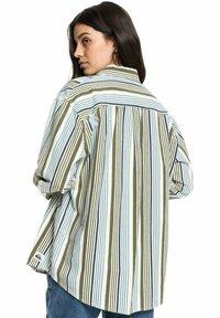 Quiksilver - Button-down blouse - surfing retreat stripe flclove - 1