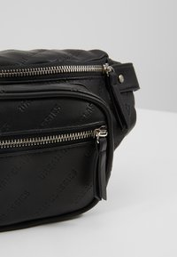 Urban Classics - SHOULDER BAG - Ledvinka - black - 7