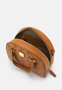 MCM - Handbag - cognac - 3